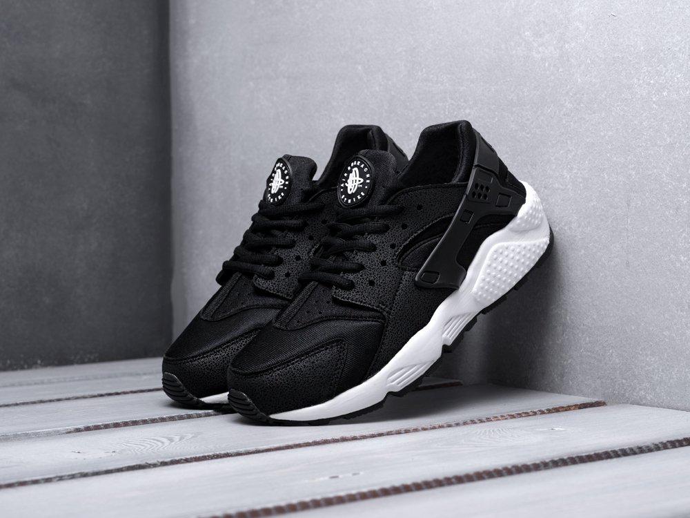 Кроссовки Nike Air Huarache цвет черный купить по цене 2690 рублей в интернет-магазине outmaxshop.ru с доставкой ☑️
