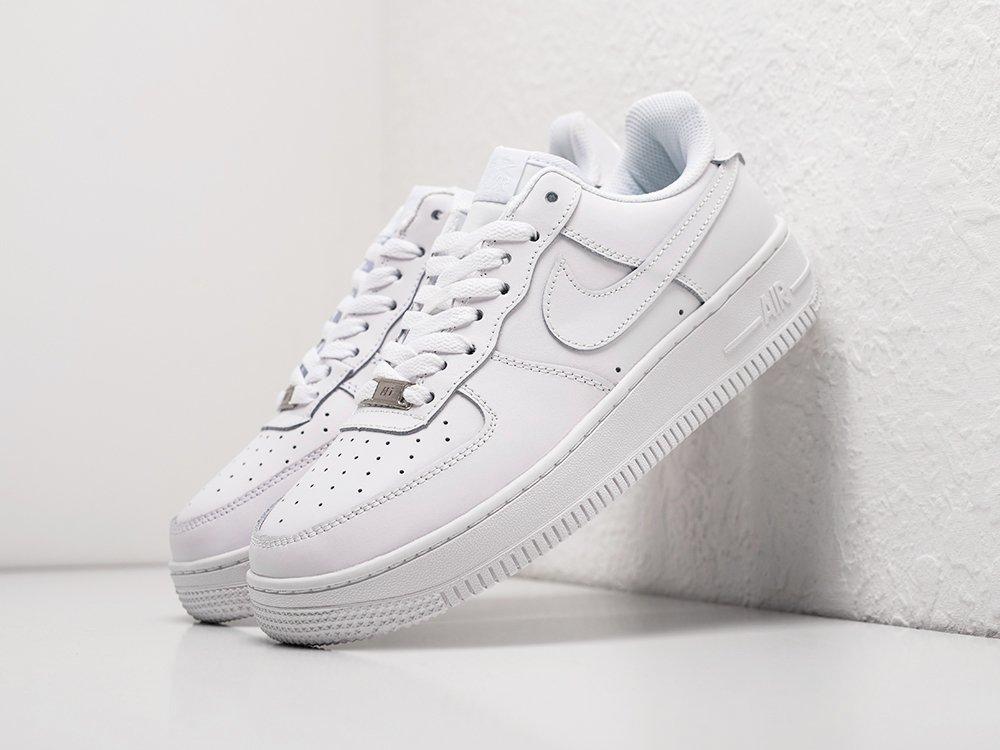 Кроссовки Nike Air Force 1 Low цвет Белый купить по цене 2990 рублей в интернет-магазине outmaxshop.ru с доставкой ☑️